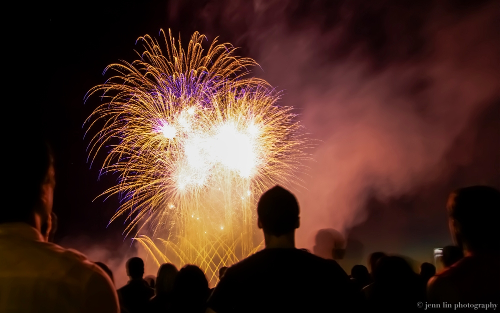 Yellow/purple Fireworks