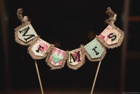 Mr & Mrs sign; wedding cake details. © 2014 Jenn Lin Photography