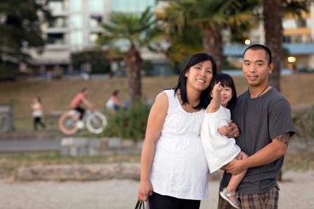 Lin Hoang at English Bay 084 1800px © 2014 Jenn Lin