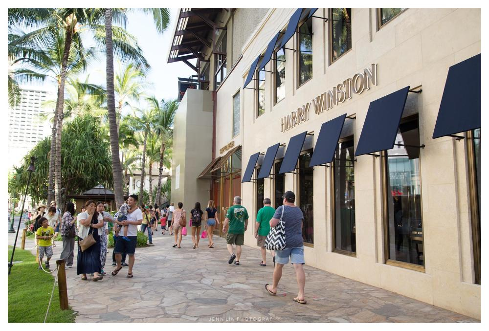 Harry Winston Store in Waikiki © 2015 Jenn Lin